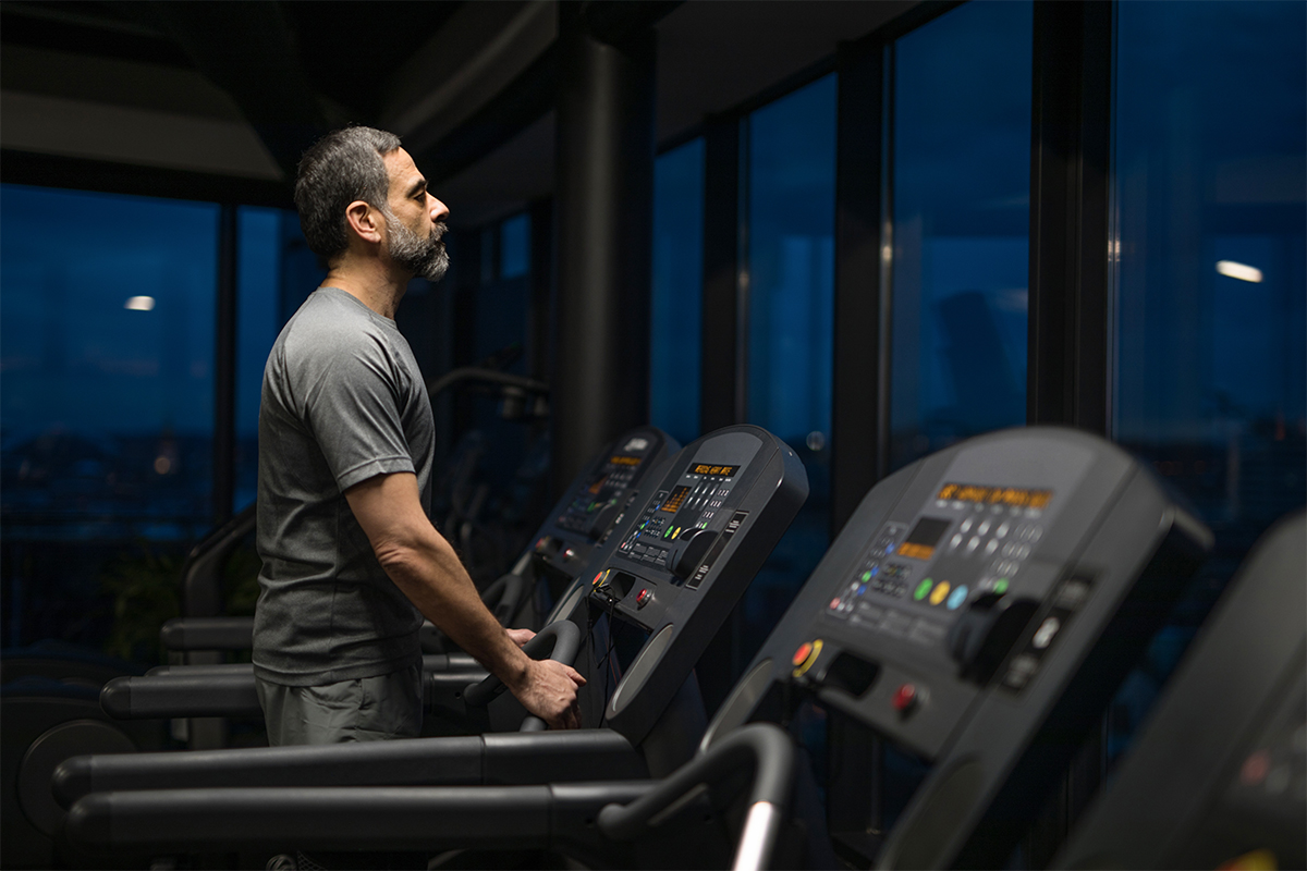 Man choosing best time to exercise at night